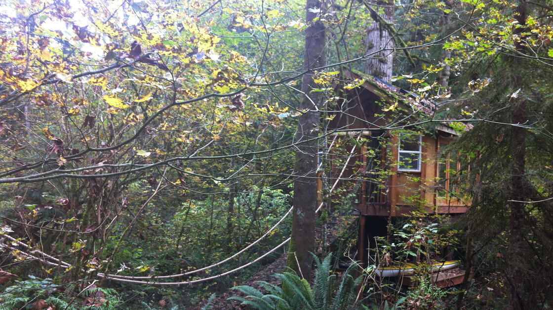 The reSTART center for Internet addiction is in the woods outside Seattle. The initial, in-patient part of the program is held on a property that has a tree house and a garden.