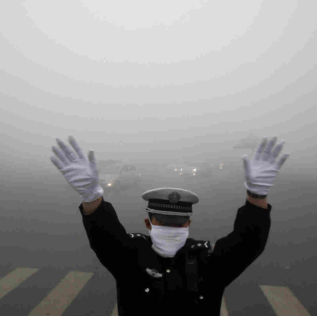 Chinese City Of 11 Million Paralyzed By Off-The-Charts Smog