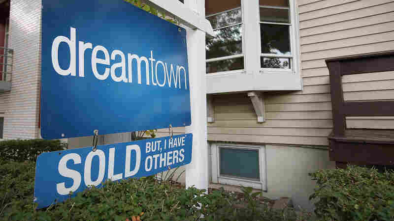Existing Home Sales Dip After Hitting 4-Year High
