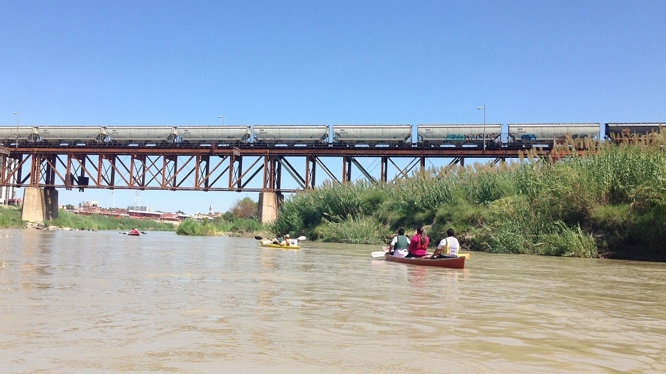 Despite efforts the rio grande is one dirty border npr for Alberca water planet nuevo laredo
