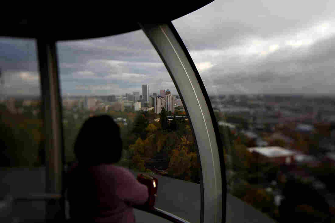 Traveling to the OHSU hospital via the aerial tram takes three minutes. Driving up the twisty mountain road is typically 20 minutes but can be up to 45 minutes depending on traffic.