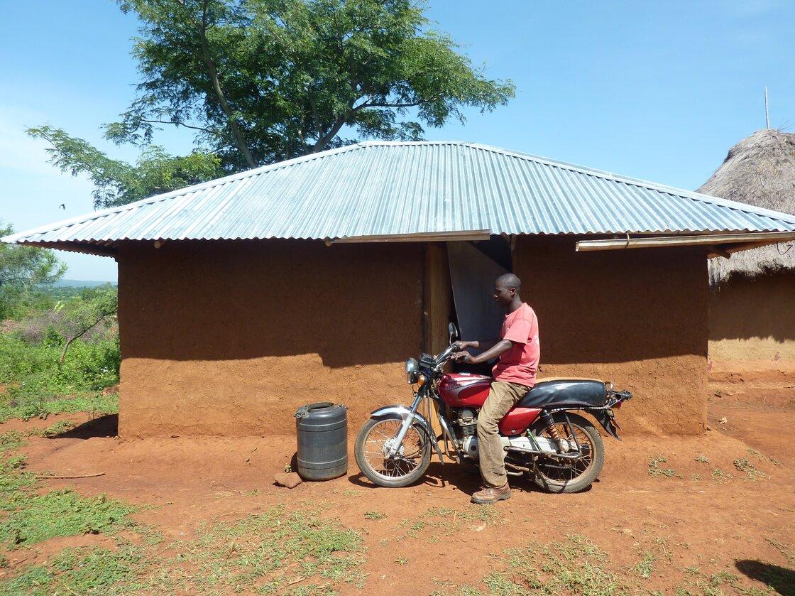 Bernard Omondi got $1,000 from GiveDirectly.