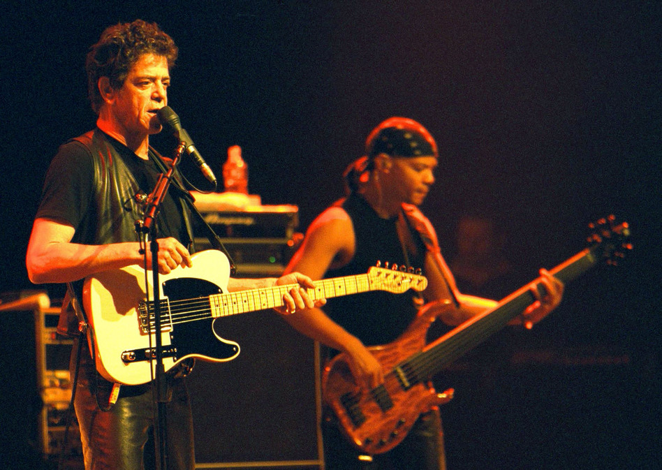 Reed performs at the Regent Theater in Melbourne, Australia, in 2000.