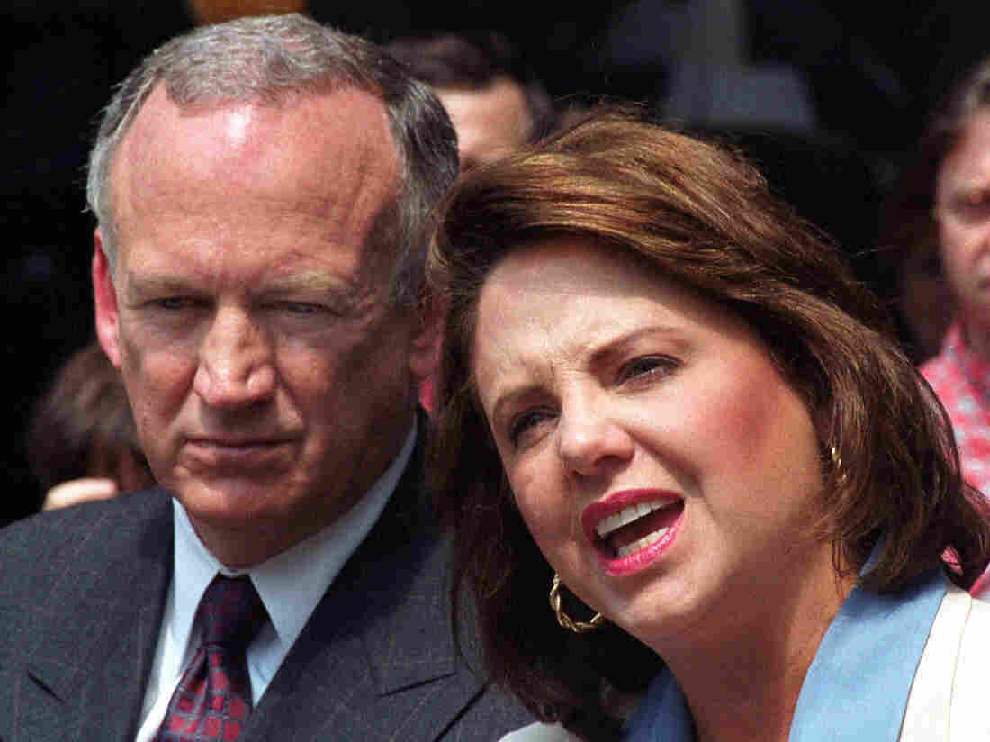 Patsy Ramsey and her husband, John, during a short news conference in Atlanta in 2000.