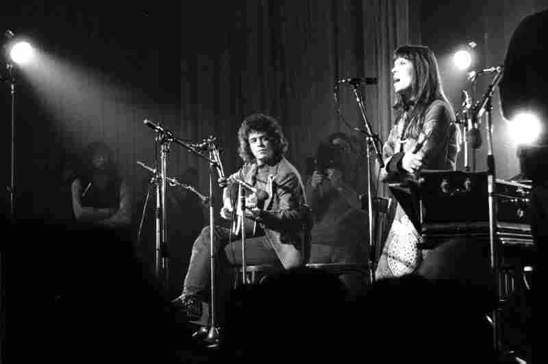 Reed and Nico perform with Velvet Underground in 1972.
