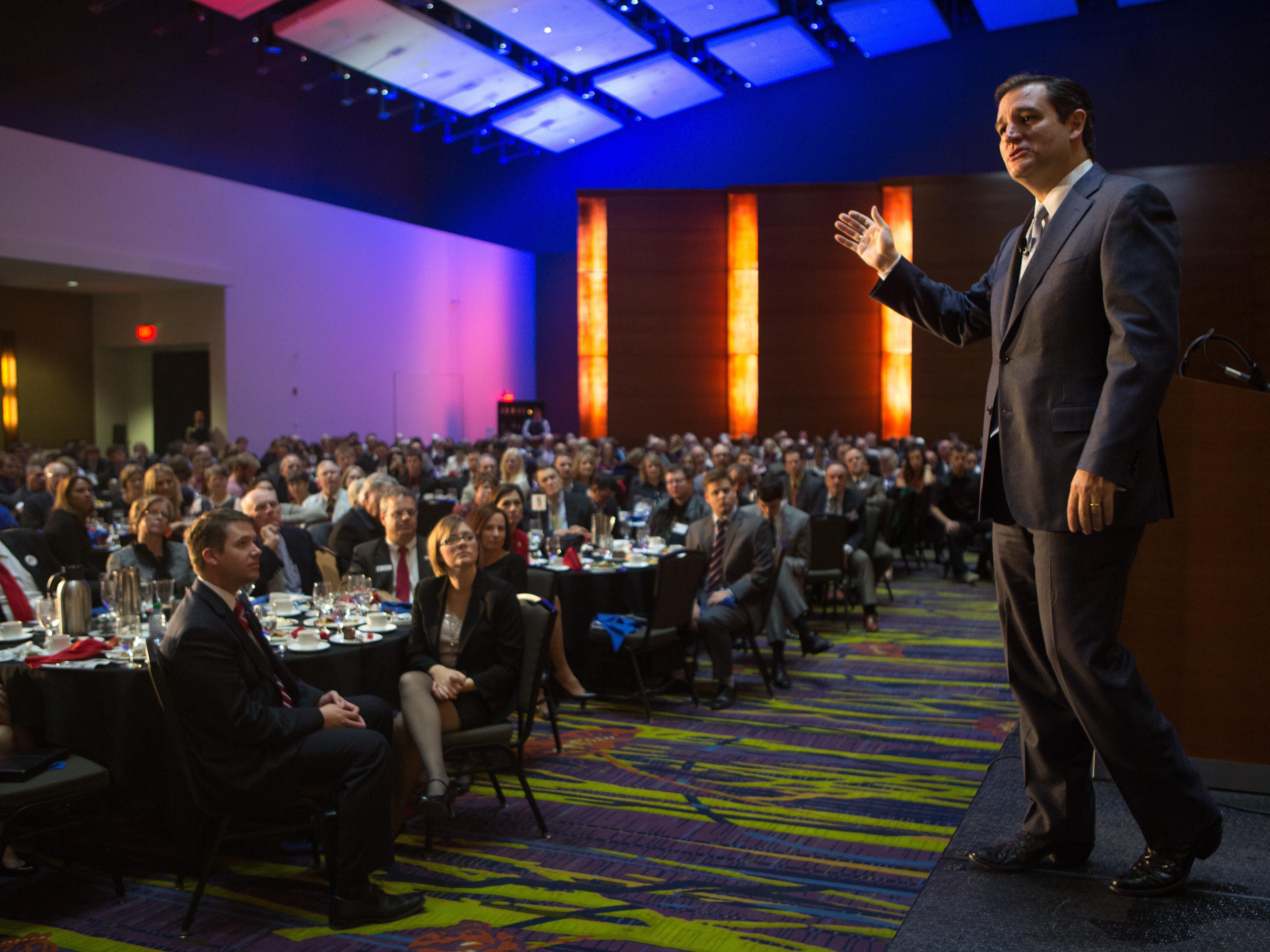 Pondering A Presidential Run? Cruz Dines In Iowa