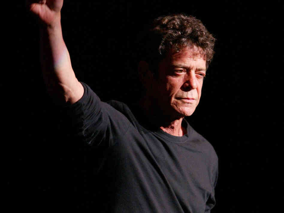 "NEW YORK - OCTOBER 29: (U.S. TABLOIDS OUT) Musician Lou Reed performs during the Creative Coalition's ""Seconding the First"" Gala Benefit Concert at the Hammerstein Ballroom on October 29, 2002 in New York City. (Photo by Matthew Peyton/Getty Images)"