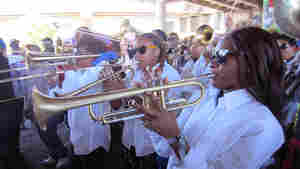 Street Queens Bury Competition In Brass Band Blowout