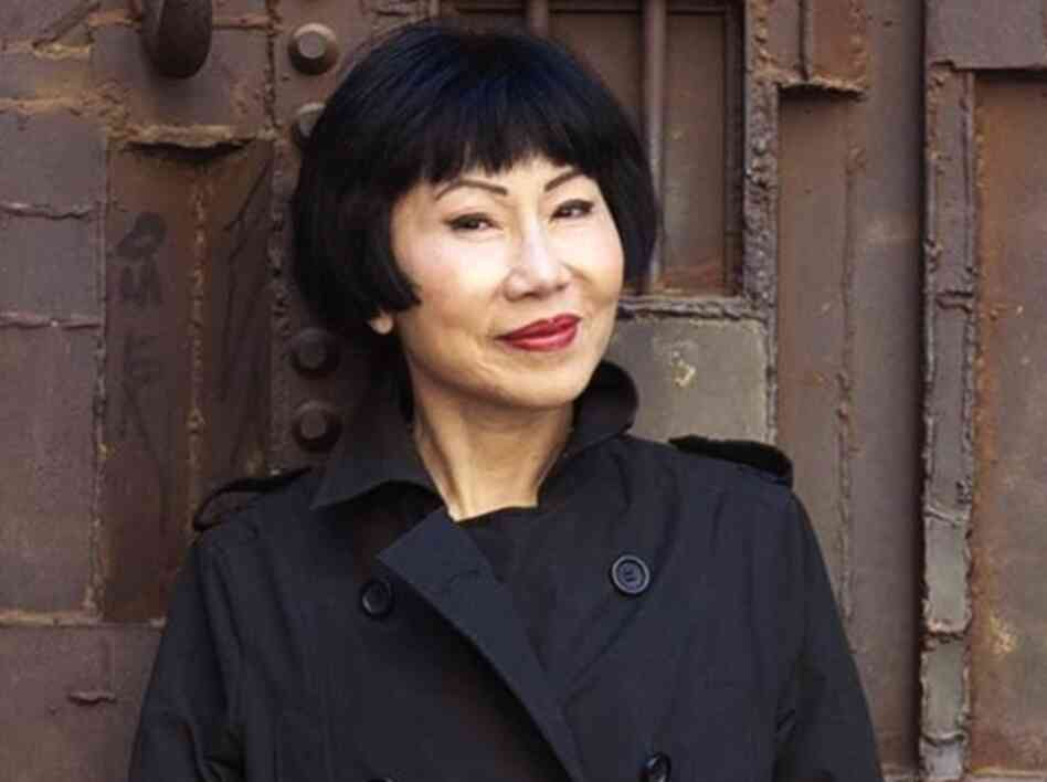 an analysis of characters in the kitchen gods wife by amy tan A site for amy tan, author of 'the joy luck club' includes biography, books, reviews, essays, and other study resources the kitchen god's wife (1991.