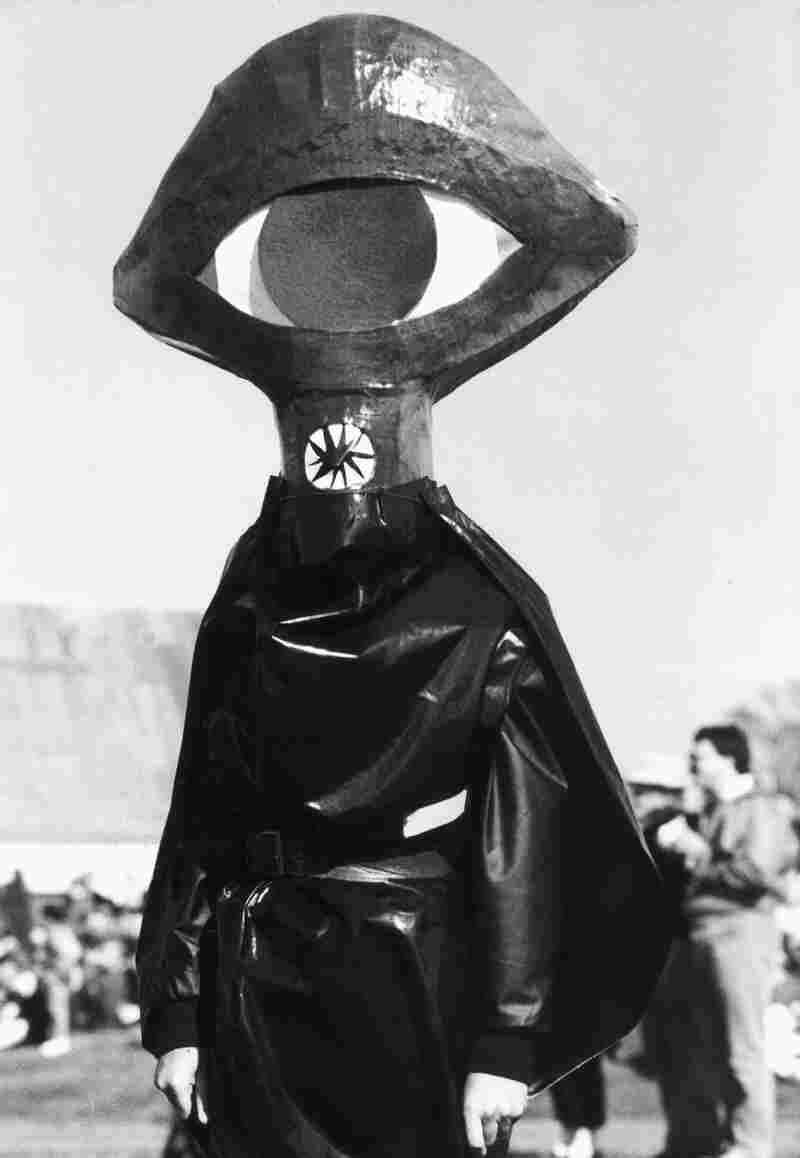 Invader? No, it's a man dressed as one in 1988. He was  in Grovers Mill, N.J., at a 50th anniversary celebration of The War of the Worlds broadcast.
