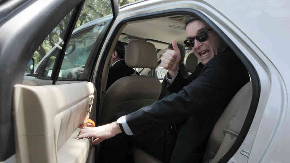Brazilian billionaire Eike Batista gives a thumbs up in better days.