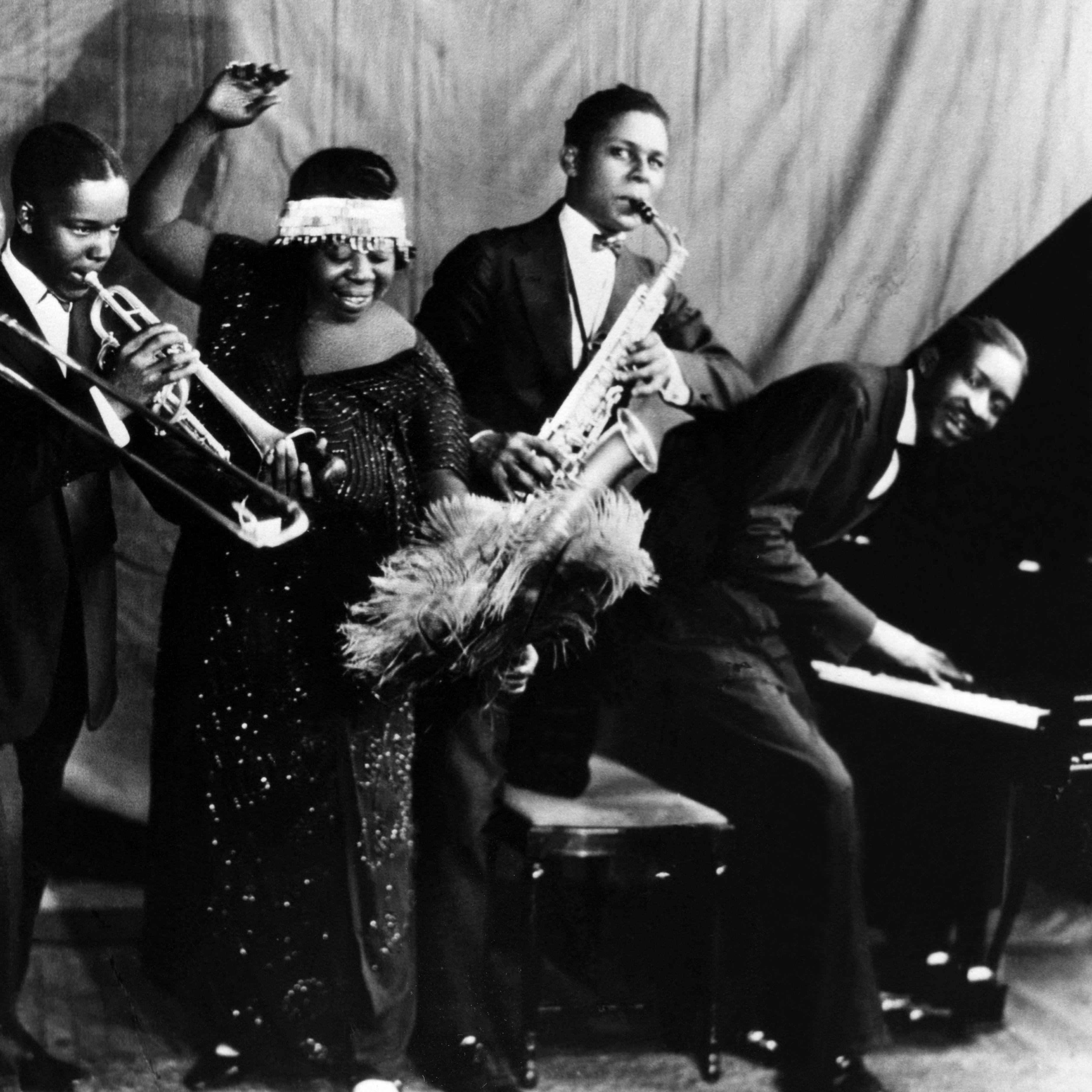 jazz history in 1920 Jazz music history in the early 1900s with emphasis on 1920s and 1930s pre big band era jazz.