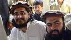 Pakistani Taliban chief Hakimullah Mehsud (left) with his commander Wali-ur Rehman in South Waziristan, in October 2009.