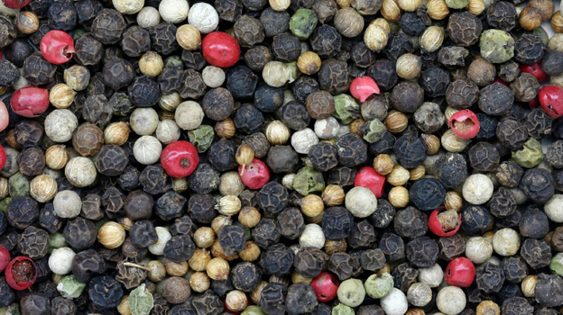 Pepper is the spice most commonly contaminated with salmonella and other pathogens. (iStockphoto.com)