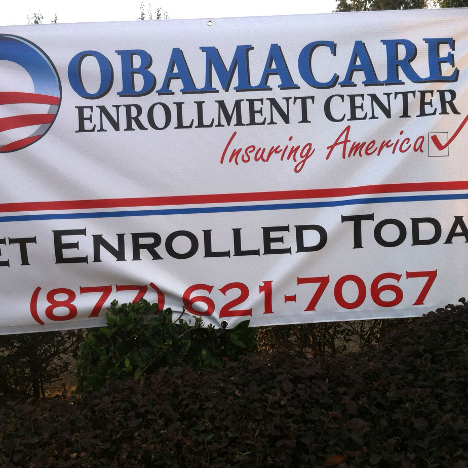 """Obamacare Enrollment Teams"" give presentations on health insurance options and the Affordable Care Act, but are not actually affiliated with the government."