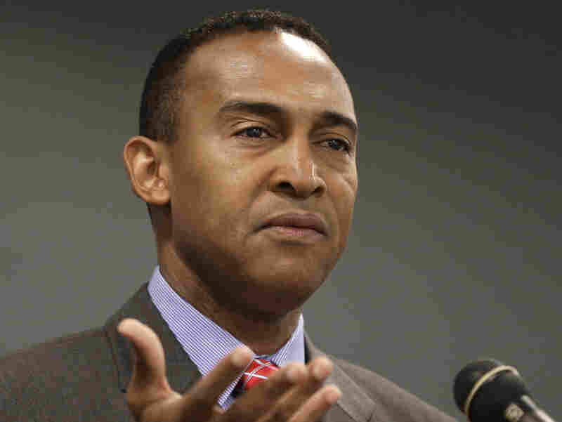 Patrick Cannon, Charlotte, N.C.'s newly elected Democratic mayor, speaks to students at Queens University on Oct. 29.