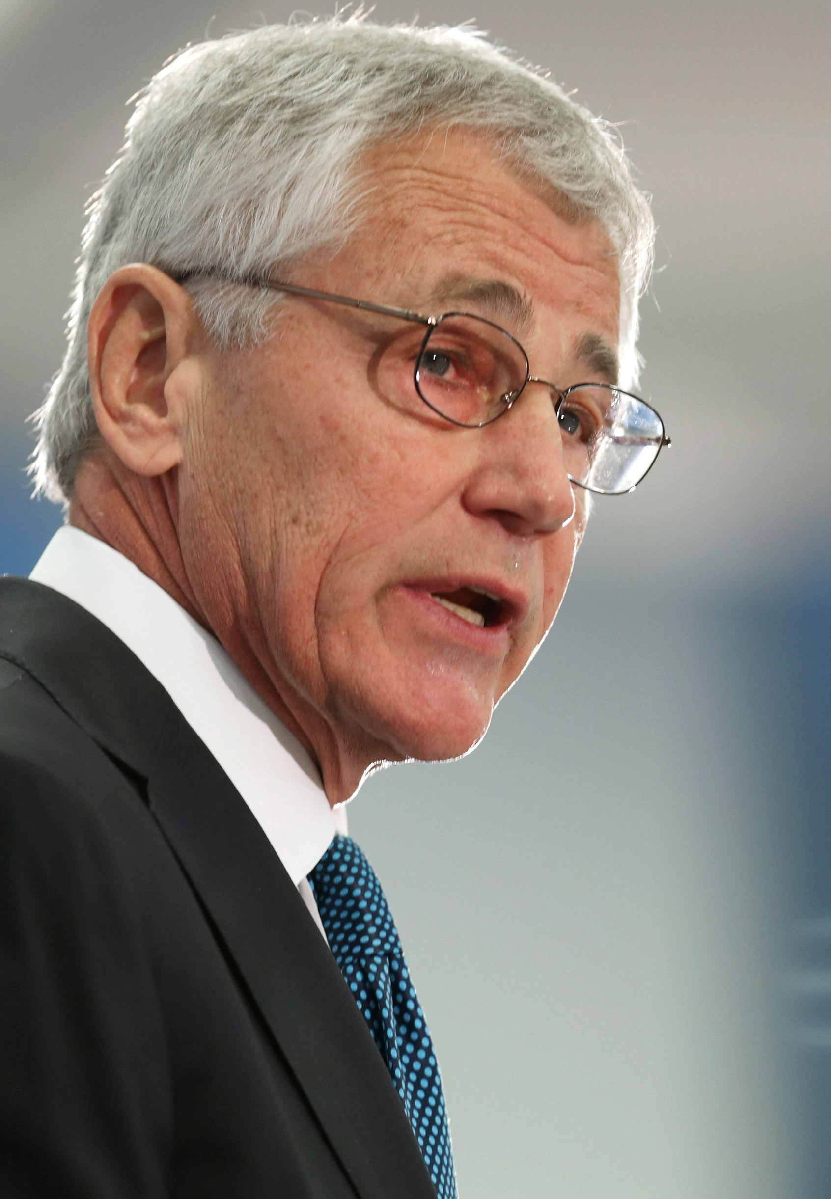 Soaring Personnel Costs Threaten Readiness, Hagel Warns