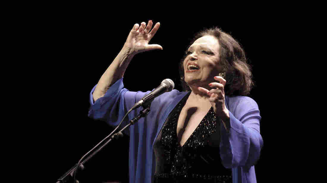 Actress and singer Bibí Ferreira has been performing on stage and television for more than 60 years.