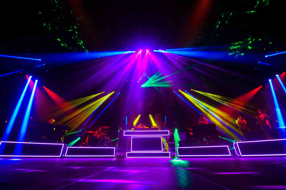 Pretty Lights, performing live at the 2013 Mountain Oasis festival