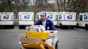 Book News: Postal Service Strikes Sunday-Delivery Deal With Amazon