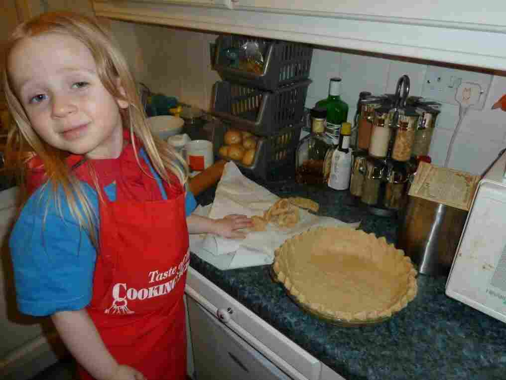 Rowan Crutchlow, at age 3, helping to make her great-grandmother's pie cust.