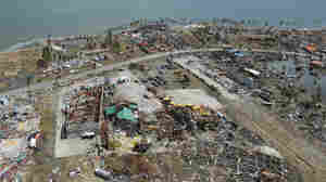 'Absolute Bedlam' In The Philippines After Typhoon Haiyan