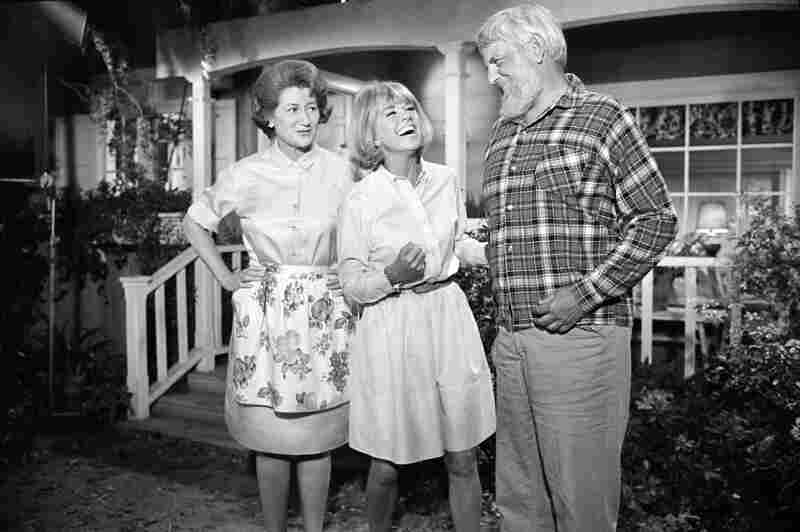 Actors Fran Ryan (left) and Denver Pyle appear with Day on The Doris Day Show.
