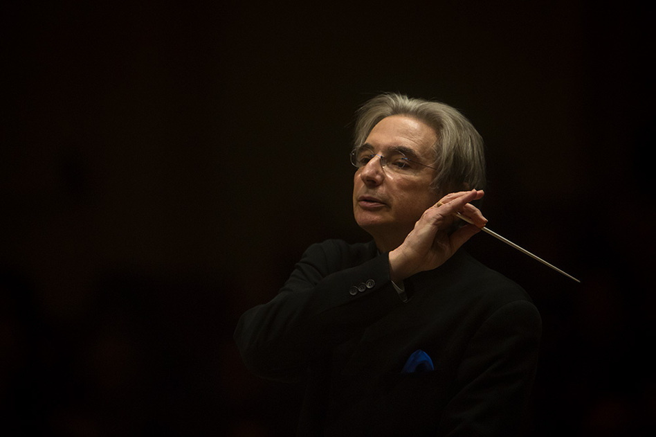 The elegant conductor Michael Tilson Thomas leading the San Francisco Symphony in a live performance from Carnegie Hall on November 13, 2013.