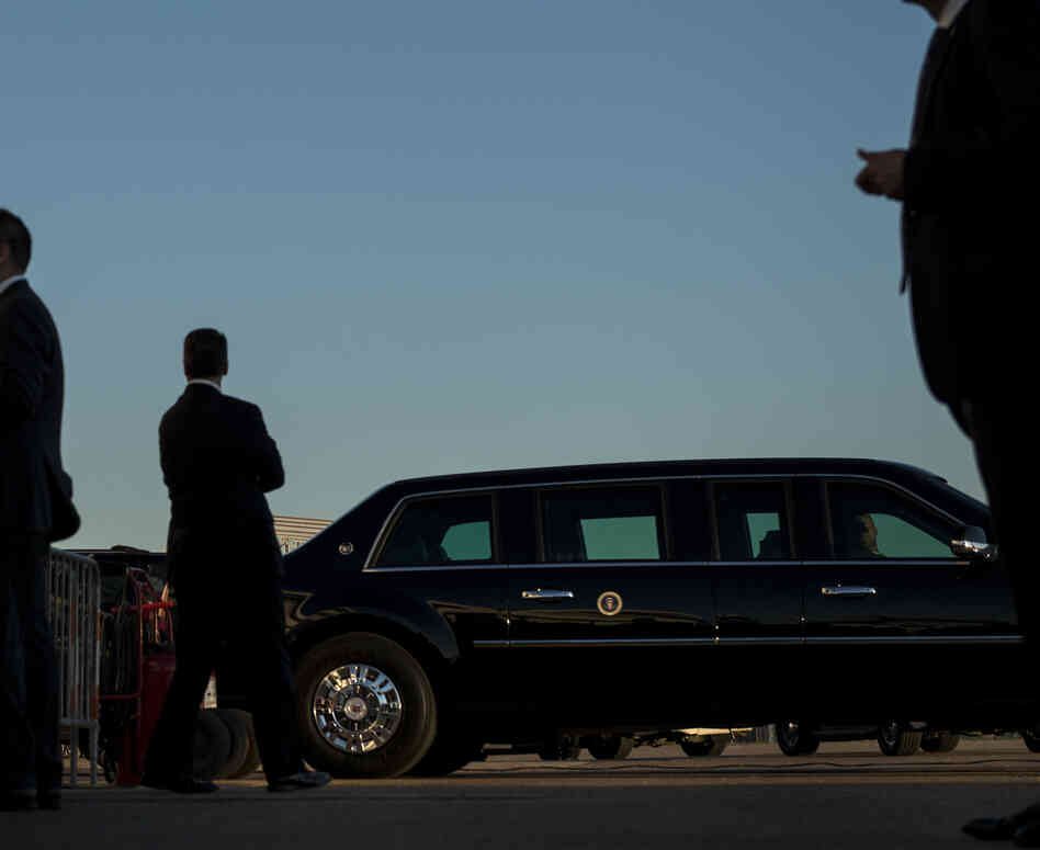 Secret Service agents stood watch earlier this month as President Obama arrived at Dallas Love Fie