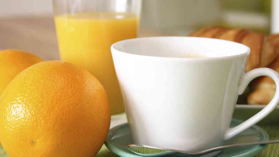 Coffee can help cut your risk of Type 2 diabetes, fresh research shows. Other foods, such as oranges, lemons and other citrus fruits, nuts and beans can also help.