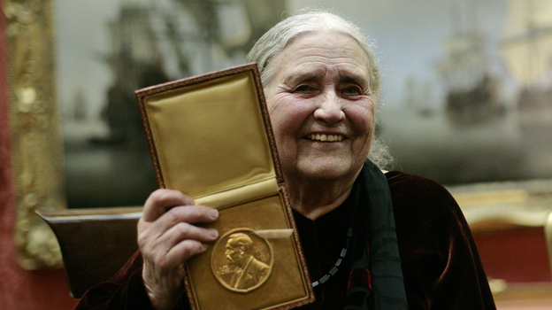 British author Doris Lessing (L) shows her prize insignia of the 2007 Nobel Prize in Literature at the Wallace Collection in London in 2008. (AFP/Getty Images)