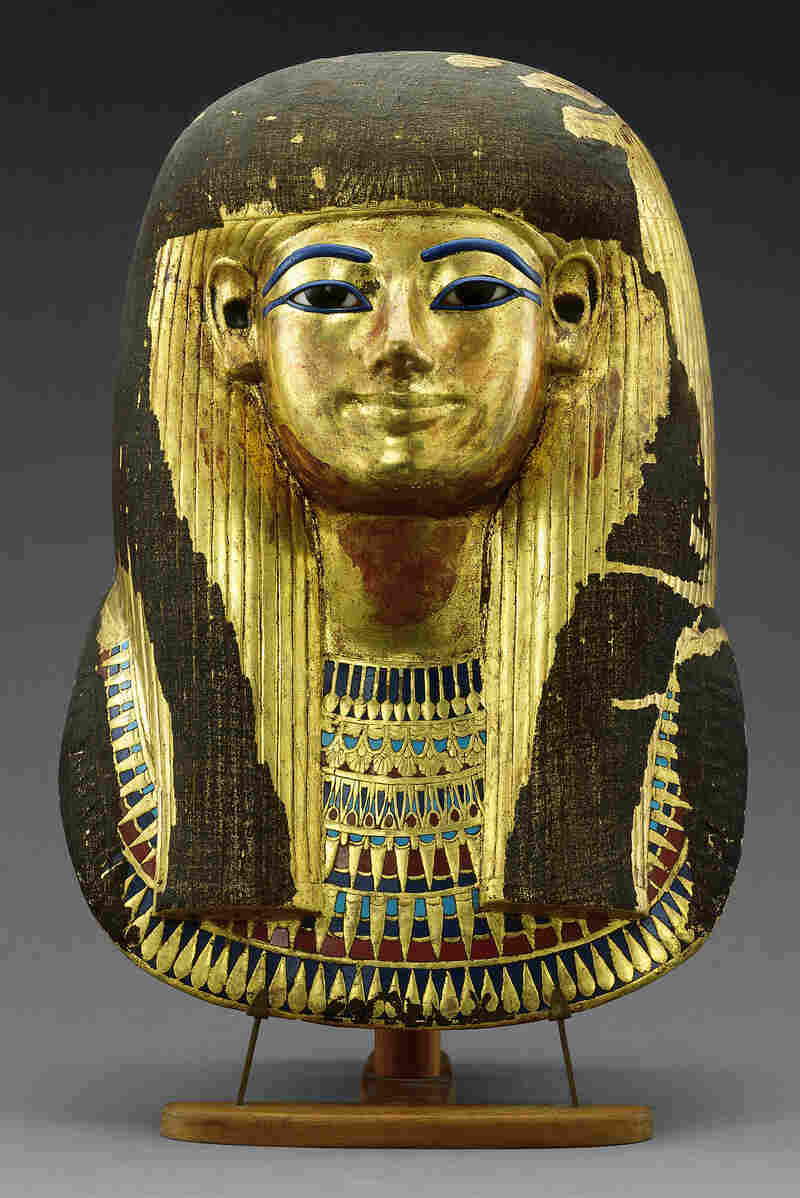 The beef rib mummy that the researchers tested came from the tomb of Yuya and Tjuiu (sometimes spelled Tuyu). Seen here is a mask of Tjuiu, made out of gilded cartonnage, that was also found in their tomb.