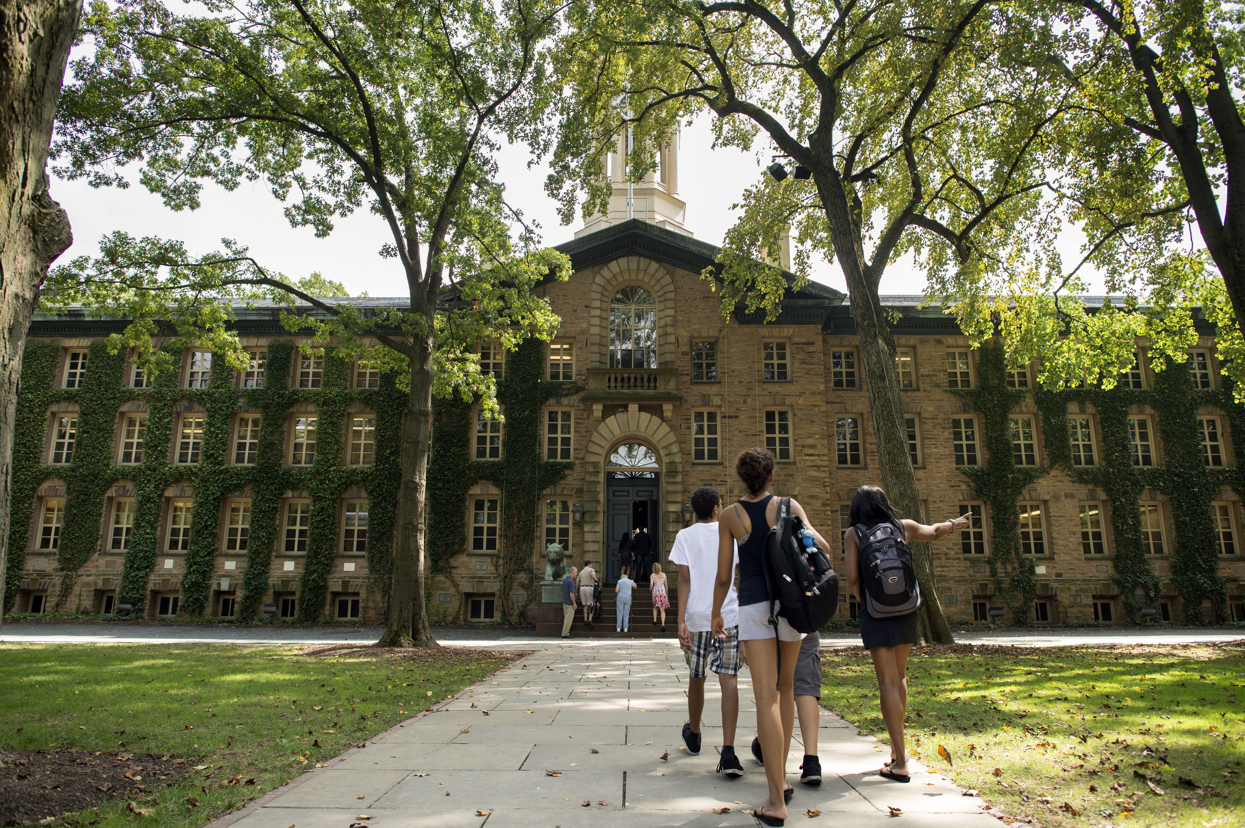 Why College Campuses Get Hit By Meningitis Outbreaks