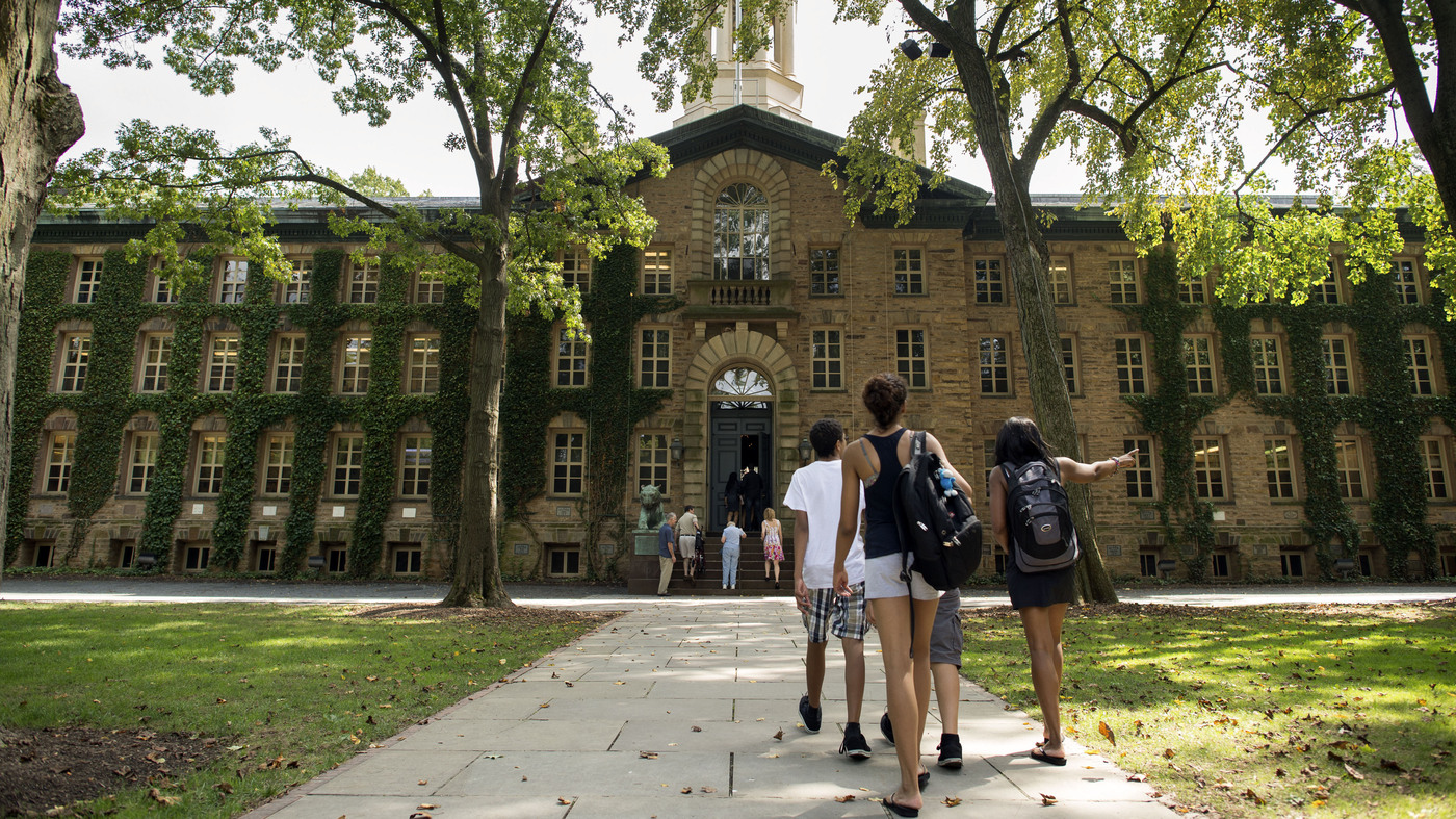 why college campuses get hit by meningitis outbreaks   shots