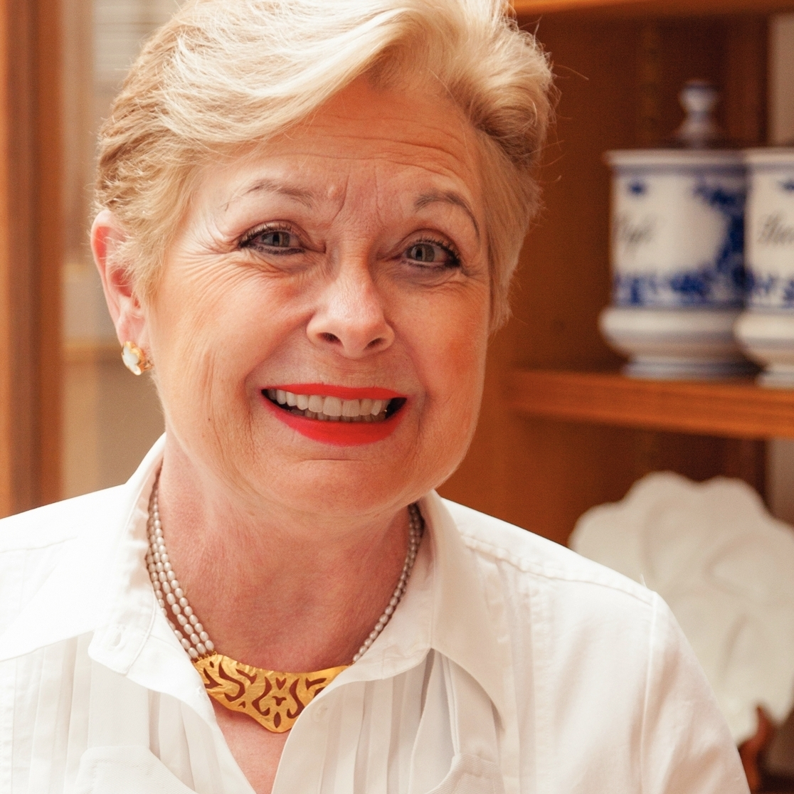 Patricia Wells was a restaurant critic at the International Herald Tribune for 27 years. Her other works include The Food Lover's Guide to Paris, Patricia Wells at Home in Provence and Simply French.