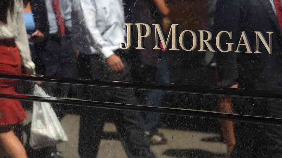 JPMorgan Chase & Co. agreed to a $13 billion settlement over faulty mortgage securities with the Justice Department on Tuesday, though it did not admit any wrongdoing.