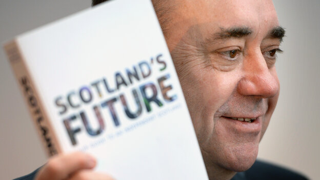 Scottish First Minister Alex Salmond presents the White Paper for Scottish independence at the Science Museum Glasgow on Tuesday.