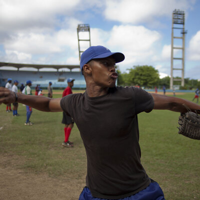 After 50 Years, Cuba Says Its Baseball Players Can Go Abroad