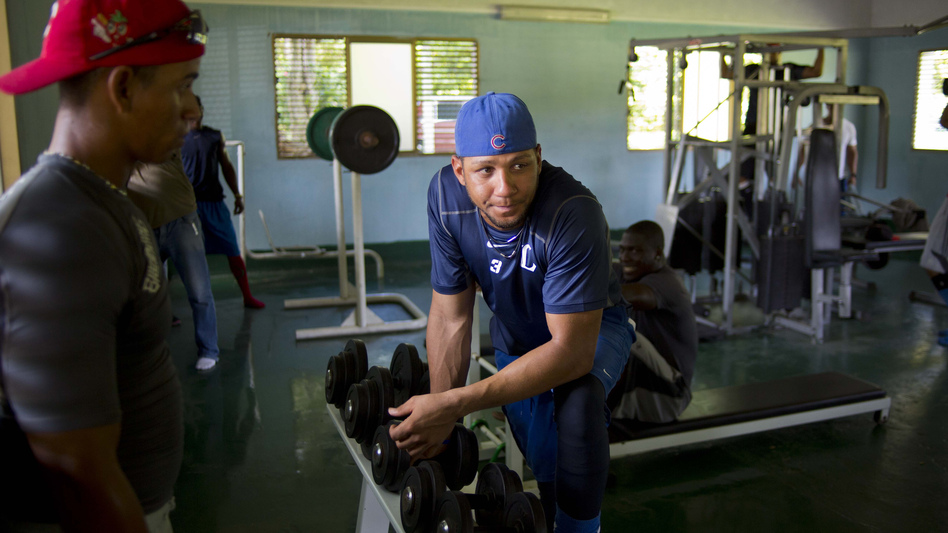 Yulieski Gourriel, a star player for the Industriales team, works out at a gym in Havanaon Sept. 27. He could probably sign a big league contract for tens of millions. In Cuba, top players are lucky to earn $100 a month. (AP)