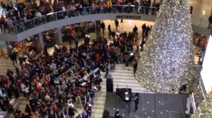 Minn. Man Ticketed For Making It Snow Money At Mall Of America