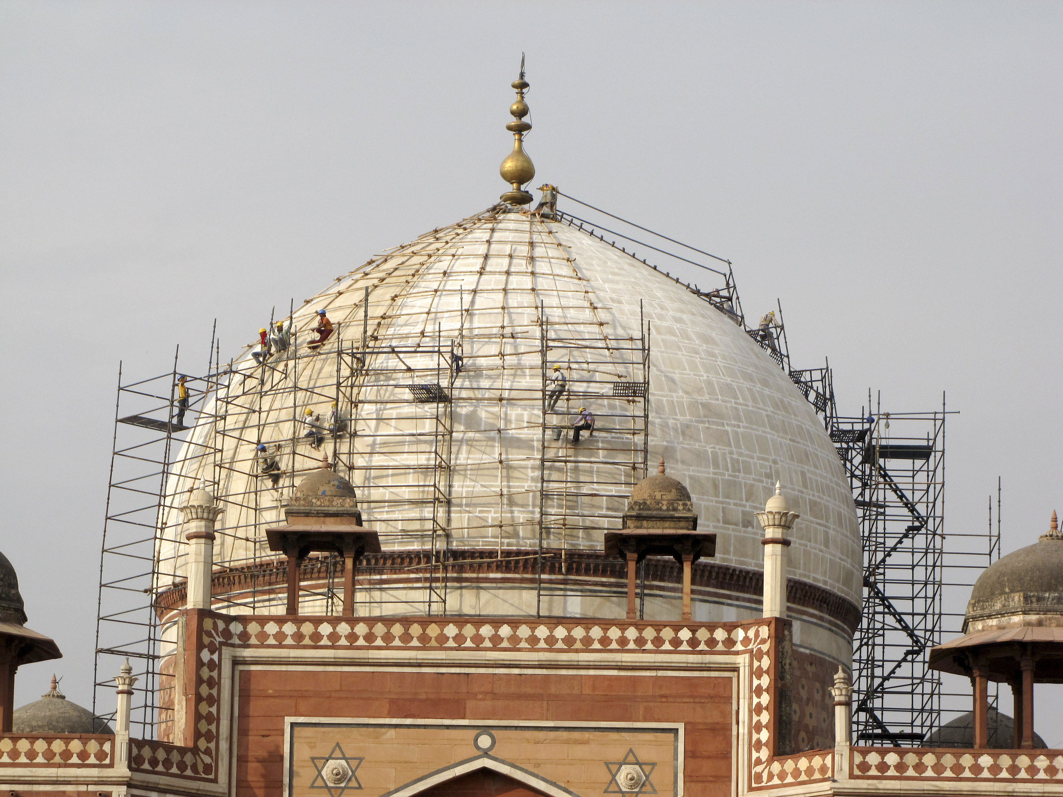More than 600 workmen were employed in the six-year project to restore the tomb.