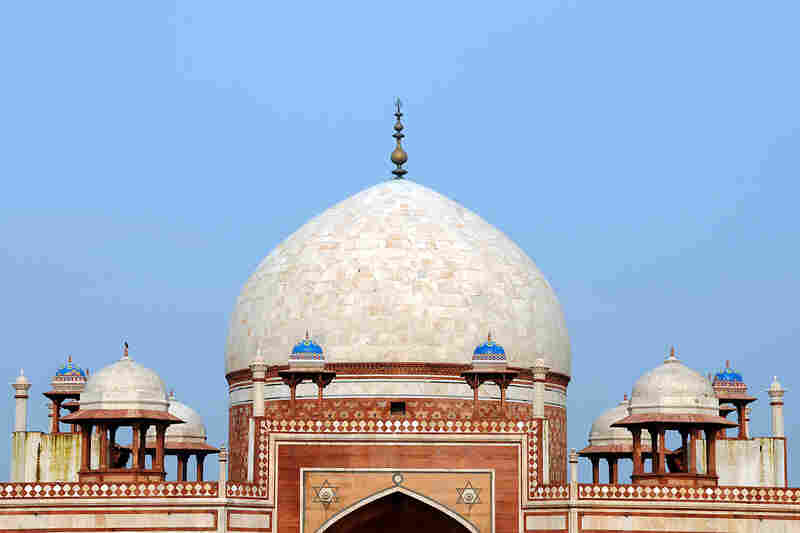 Humayun's Tomb is surmounted by a double dome, a feature which allowed the 16th-century builders to make the structure look more imposing. From the inside, the second, smaller dome is proportionate to the interior features.