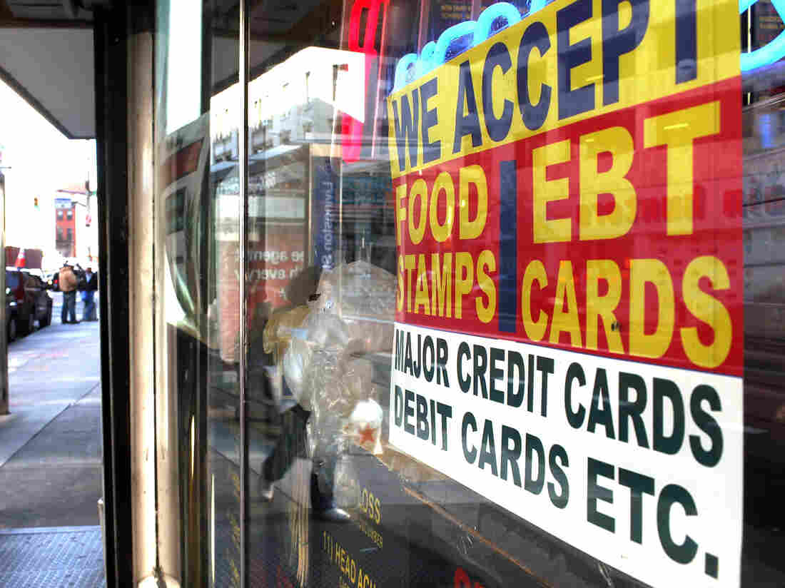 What does it take to qualify for food stamps?