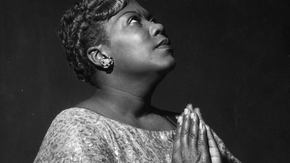 The gospel/folk singer Sister Rosetta Tharpe was accompanied by a jazz orchestra on her debut recording. (Getty Images)