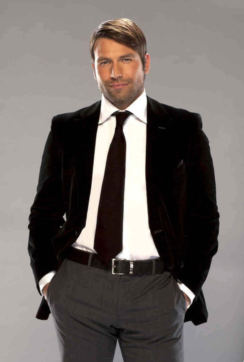 Rafael Amaya plays drug lord Aurelio Casillas on El Señor de los Cielos.