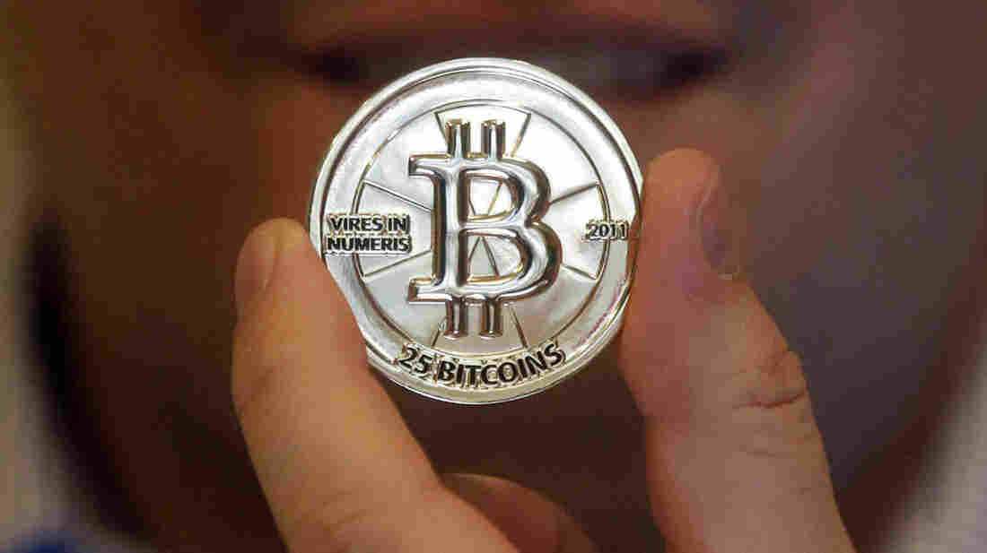 Chinese banks cannot trade in Bitcoins, the digital currency that doesn't recognize international boundaries, China's top regulators said Thursday.
