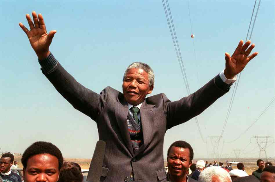 South African National Congress President Nelson Mandela delivers an address in 1990.