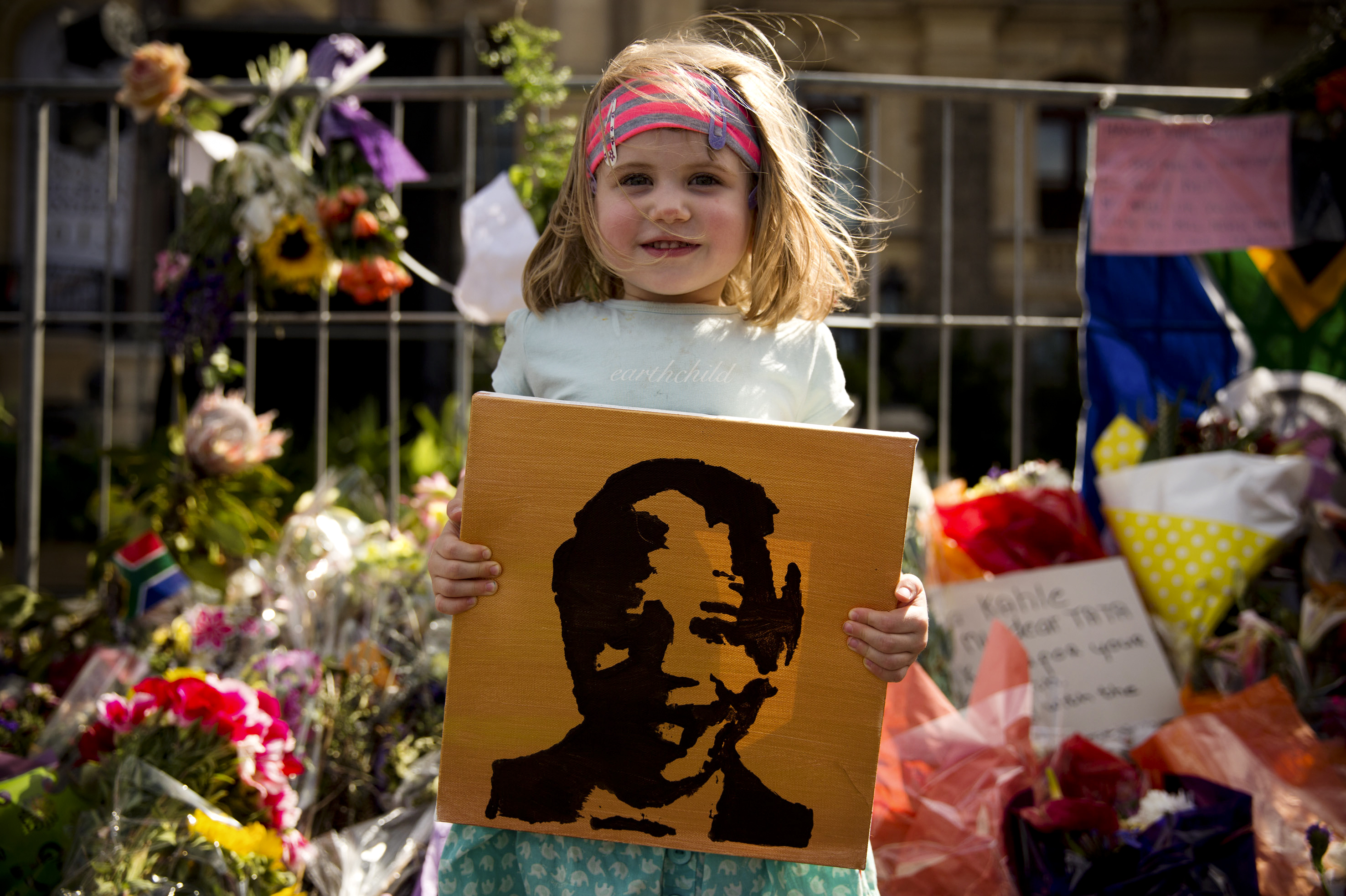 Photo Essay: Cape Town Quietly Mourns Mandela