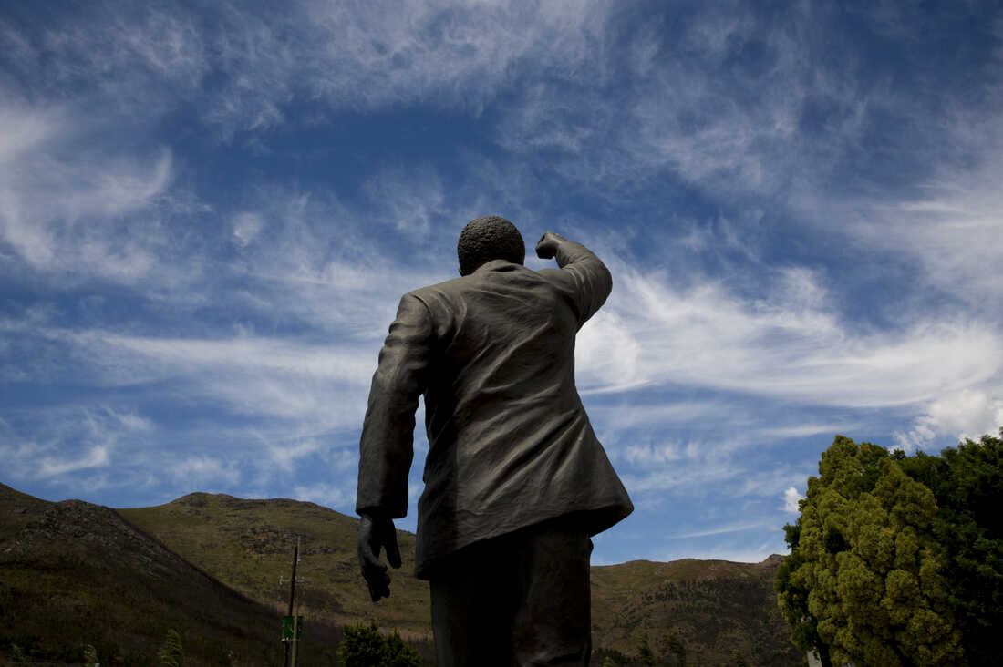 This image talks to me about Mandela's legacy. What will his legacy be? That is the question. What now for South Africa?