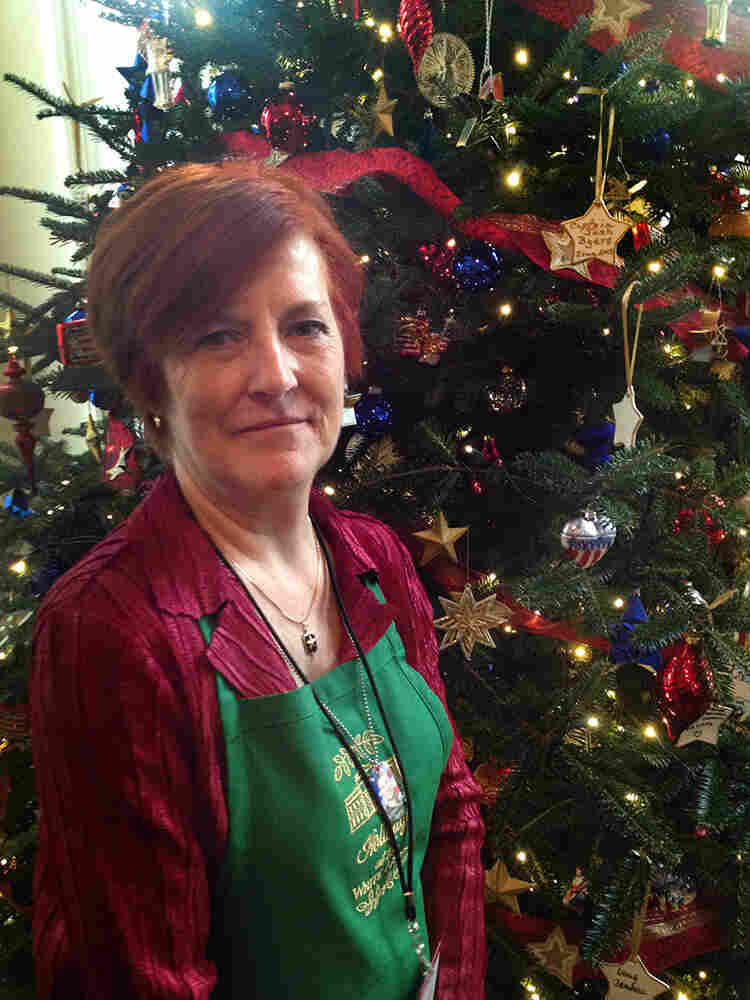 Gold Star Mother Mary Byers came from Nashville, Tenn., to help decorate the White House for the holidays.